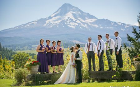 Cheerful Farm Weddings With The Spectacular Backdrop Of Mt Hood And Surrounding River Valley